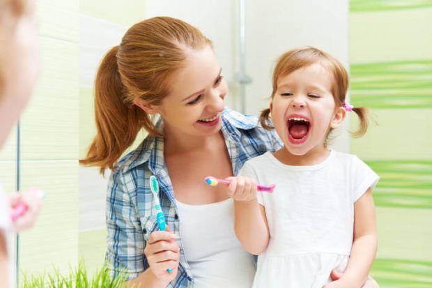 Сучасні діти в рази частіше зустрічаються з солодощами, ніж зі стоматологами. Так заведено в нашій ментальності: не йти до лікаря, поки не