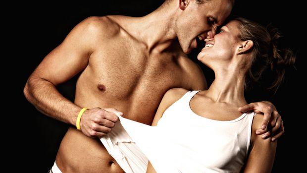 Австралійські дослідники виявили, що алкогольний напій благотворно позначається на інтимному житті. У проведеному дослідженні брало участь півтори тис