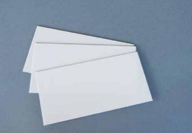 Вчені назвали причину, чому поріз паперовим листом особливо болючий, враховуючи, що це незначне пошкодження. Про це повідомляє Science Alert.