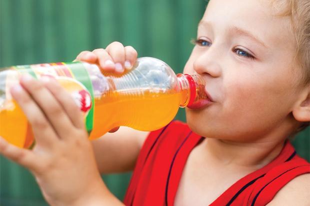 Ось які напої вам не варто давати дитині. Повідомляє сайт Наша мама.