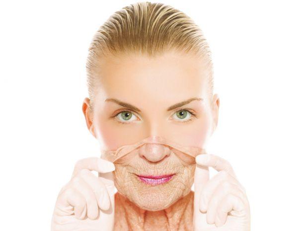 Незалежно від нашого бажання згубний вплив навколишнього середовища і шкідливий спосіб життя можуть привести до того, що шкіра починає старіти передча