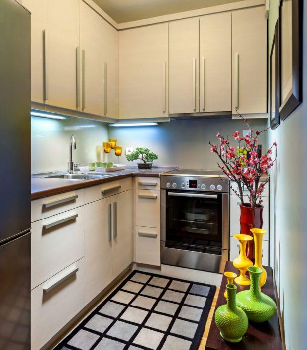 Якщо у вас надто маленька кухня, але необхідні речі такі як: плита для готування їжі, холодильник для зберігання продуктів, умивальник для посуду, зав