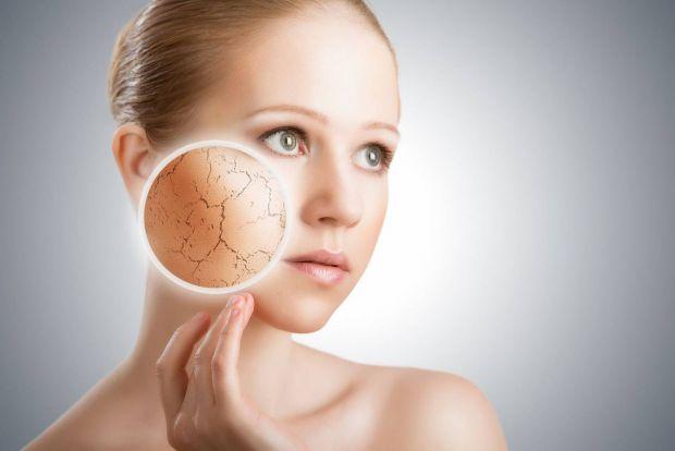 На початку весни дуже важливо подумати про те, як освіжити обличчя і позбутися від лущення шкіри.
