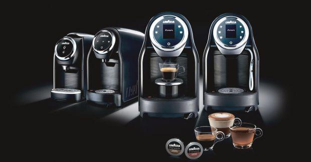 Исследователи подсчитали, что около 60% населения планеты начинает утро с чашки любимого напитка - кофе. Он помогает взбодриться и зарядиться положите