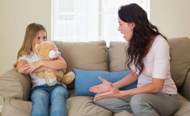 Мама втомлюється, дратується і в результаті виникає злість на малюка, який потрапляє