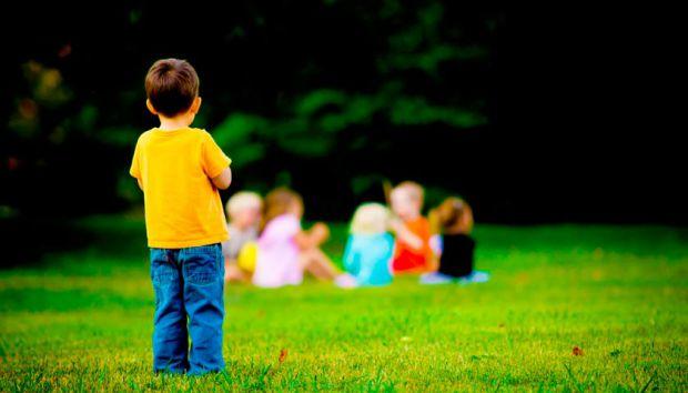 Чому у моєї дитини немає друзів, - не рідко турбуются мама і тато, адже син чи донечка хороші, щирі і відверті, а ось однолітки не поспішають дружити.