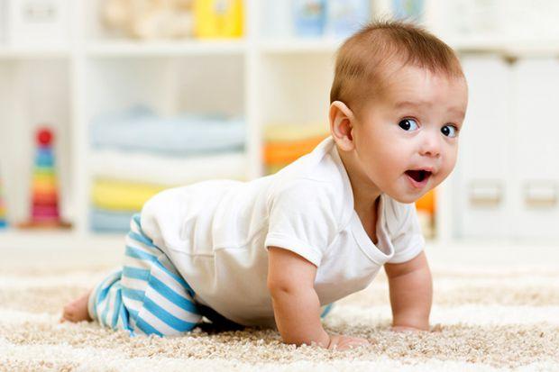 Через повзання дитина вчиться сидіти, ходити, бігати тощо. Не дивлячись на уявну простоту, навички великої моторики вимагають узгодженої роботи м'язів