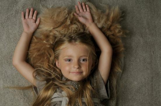 Законодавство штату Нью-Йорк останнім часом більше захищає дітей-моделей. Погане поводження з неповнолітніми моделями - причина постійних скарг в модн
