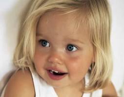 З генами не посперечаєшся. Багато дітей знаменитостей справді успадкували від своїх батьків неймовірно привабливі зовнішні дані.