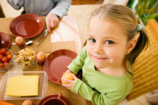 Діти, які регулярно вживають в їжу курку, значно рідше згодом стикаються з пухлинними захворюваннями шлунку. До такого висновку прийшли дослідники з Г