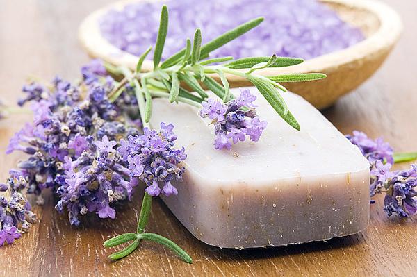 Мило для схуднення - мило ручної роботи, в яке входять різні базові та ефірні масла, а також інші добавки.