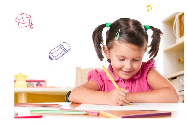 Наукові експерти закликають батьків не навантажувати дітей читанням книг і писанням в зошитах, якщо вони хочуть, щоб школярі були розумними і добре вч