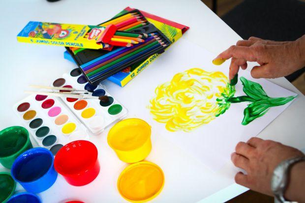 Найпоширеніший і найбільш вивчений на сьогоднішній день вид арт-терапії – це малювання або ізотерапія. Всі діти люблять малювати, а фахівці з цього ви