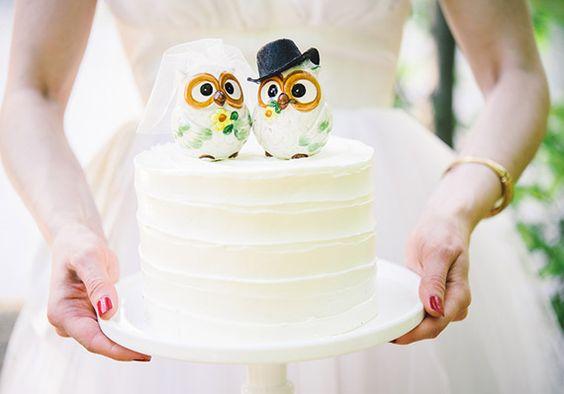 Весільний торт — символ солодкого життя, а його подача — один із найяскравіших і найсмачніших моментів, який передує фіналу весілля. Часто саме десерт