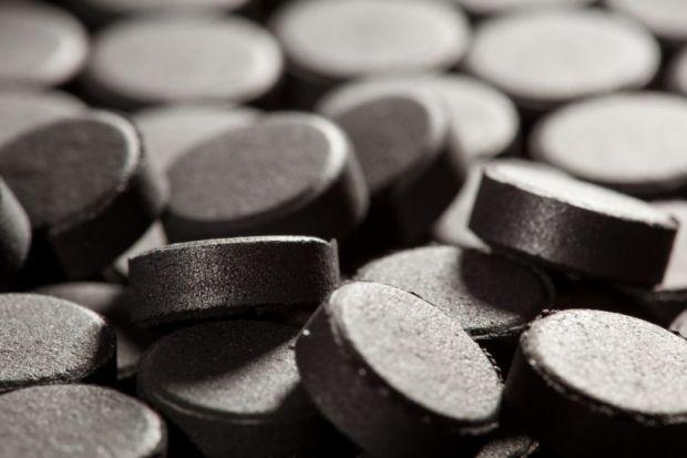 Вчені вважають, що активоване вугілля може вивести з організму жінки оральні контрацептиви.