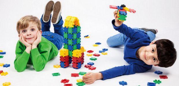 Хотите, чтобы ваш ребенок вырос умным, тогда приобретите для него детский конструктор - он поможет быстрее развить малыша.