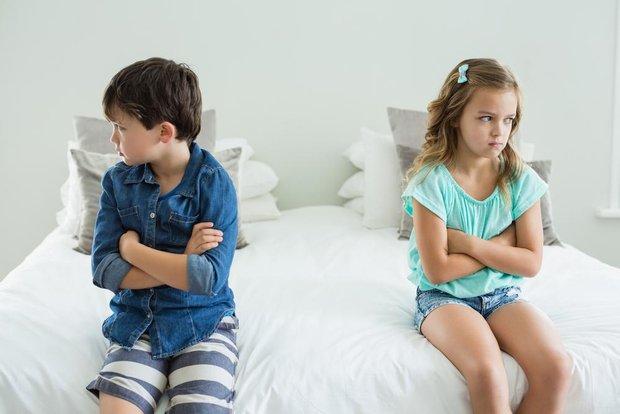 Якщо один з дітей постійно отримує увагу і визнання батьків, другий при цьому буде відчувати себе обділеним. Часто саме це і стає причиною для суперни