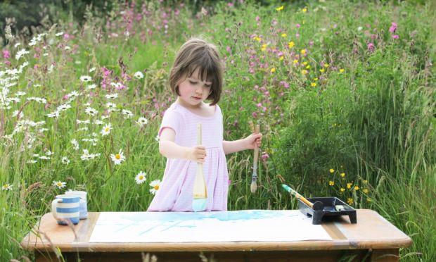 Діти, які хворі аутизмом, малюють зовсім інший світМедики кажуть, що люди із цим захворюванням бачать світ іншим. У ньому люди - це хаос, метушня і бе