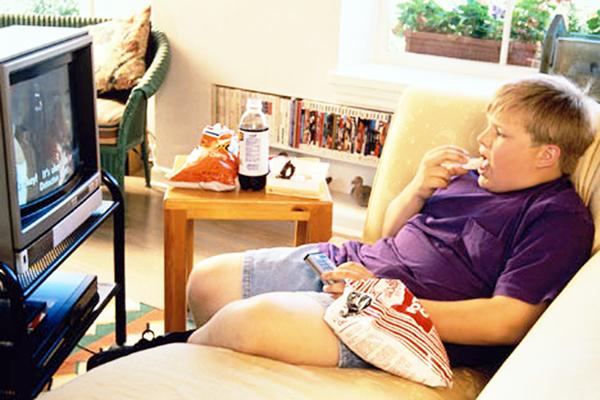 Фахівці з Великобританії проаналізували дані 3448 підлітків у віці від 11 до 19 років. Учасники відповіли на питання про харчування і телевізор.