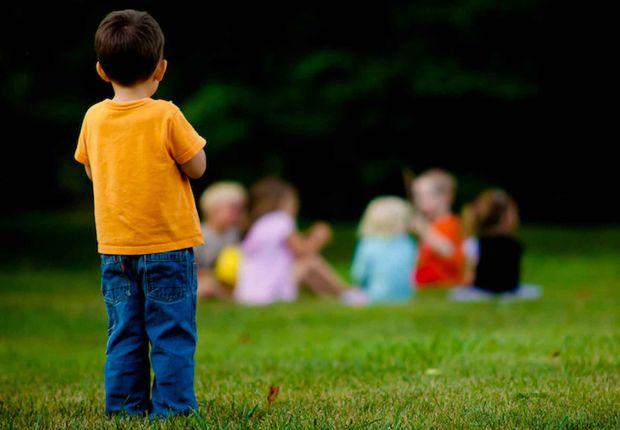 Розглянемо ситуацію у школі та дитсадку