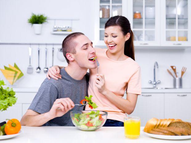 Щоби не мати проблем із сексуальним здоров'ям у чоловіка, варто звернути увагу на наступні продукти харчування.