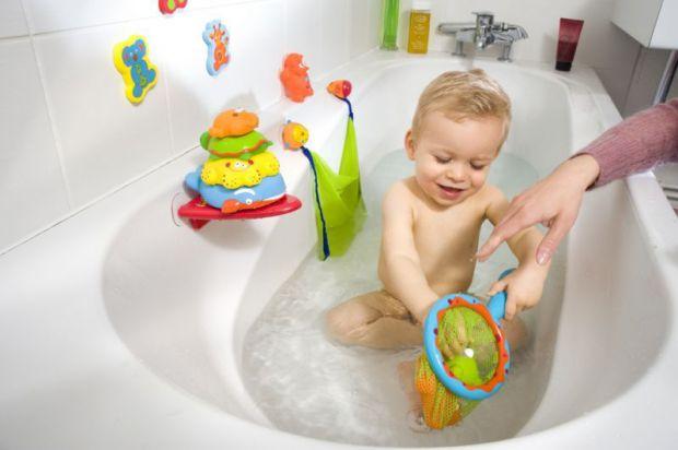 На дитячах іграшках для купання можуть жити небезпечні мікроорганізми!