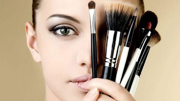 10 хитрощів макіяжуЩо треба знати про тонкощі макіяжу, які збережуть ваш час та нерви?