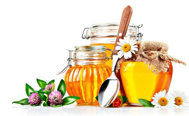 Мед покращує самопочуття, дарує красу і підтримує молодість. Тому лікарі радять споживати його щодня.