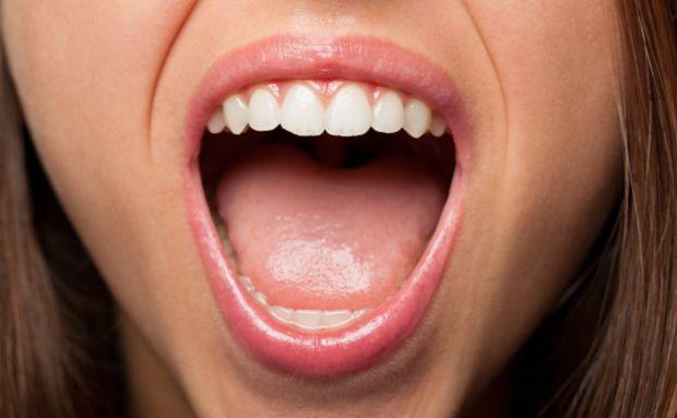 Вчені з Університету Тампере попереджають про те, що бактерії, які живуть в ротовій порожнині, здатні зруйнувати зуби і спровокувати розвиток багатьох