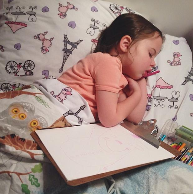 Багато діток категорично відмовляються від сну, особливо ввечері. До них потрібно відшукати свій підхід.