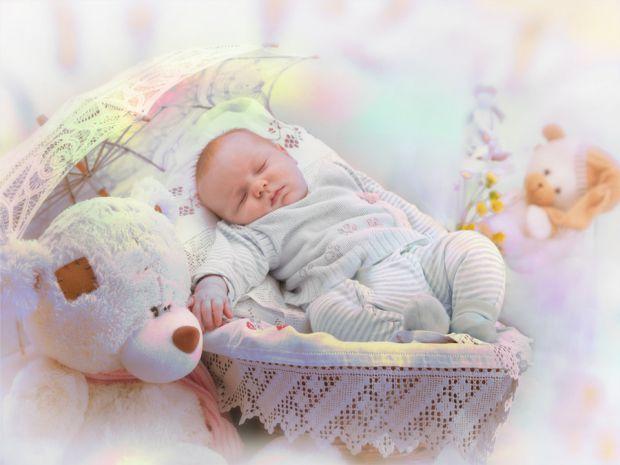 У матусь на рівні інстинктів є прагнення захистити дитину, в тому числі від переохолодження. Як же вдягати дитину, щоб вона не промерзла і не спітніла
