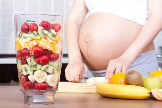 Дієта для вагітних повинна бути дуже збалансованою. У цьому відео ми розповімо, як повинна харчуватися вагітна жінка, щоб підтримувати вагу в межах но