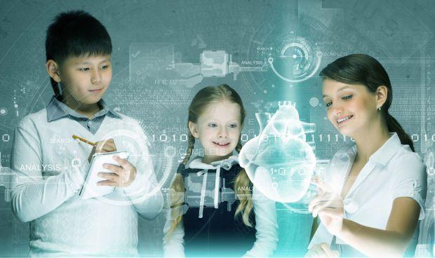 Американські вчені Університету Міннесоти дослідили, що штучний інтелект дитини можна визначити по руху її очей.