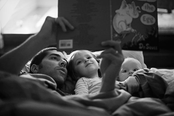 Читання для дитини – основа її розвитку. Ми зібрали кілька аргументів на користь читання дитині на ніч.