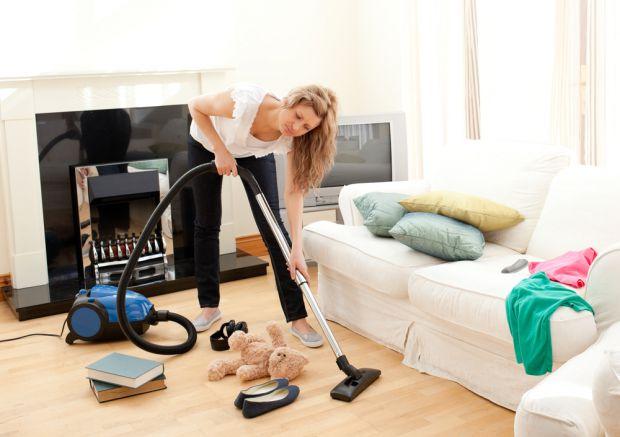 Найважче дістається алергікам - пил негативно впливає на їх самопочуття. Цікаво, а як відбивається відсутність чистоти в домі на наше самопочуття?