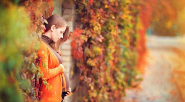Лікаря радять жінкам вагітніти саме восени. Це чудовий час для виношування дитини з деяких причин.