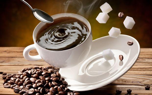 Науковці дослідили факт, чому після 2-3 філіжанок кави нам часто хочеться спати, а мало б бути навпаки.