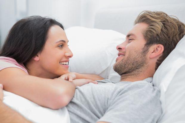 Сімейні психологи наголошують, що пари, які прожили разом кілька років, починають нехтувати сексом. Ми розповімо вам, чому цього категорично не можна