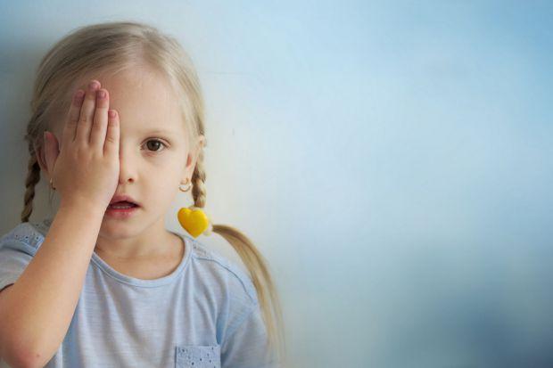 Початок навчання в школі є справжнім випробуванням не лише для психіки дитини, а й для її організму. Часто в цей період починає страждати зір. Пов'яза