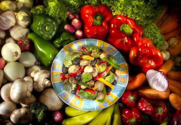 Вчені виявили, що у людей, які перейшли на вегетаріанську дієту, у них покращилася чутливість до інсуліну і нормалізувався рівень цукру.