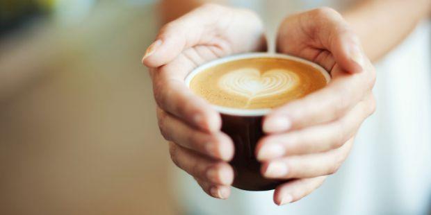 Експерти в області дієтології назвали продукти, які бадьорять організм сильніше кави, даючи більш довгий ефект.
