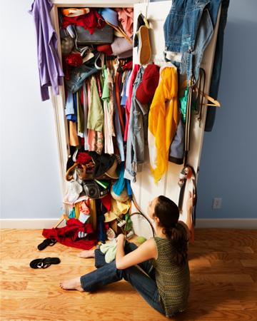 Скласти речі в шафу - здавалося б, що може бути простіше, але все ж таки ми допускаємо помилки.