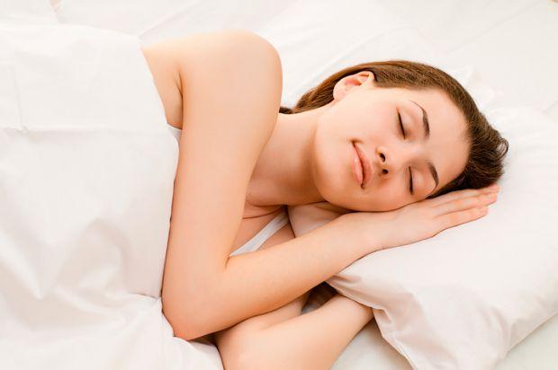 Вчені стверджують, що людині цілком достатньо п'яти годин на добу, щоб отримати повноцінний сон. Для того, аби виспатися за такий короткий проміжок ча