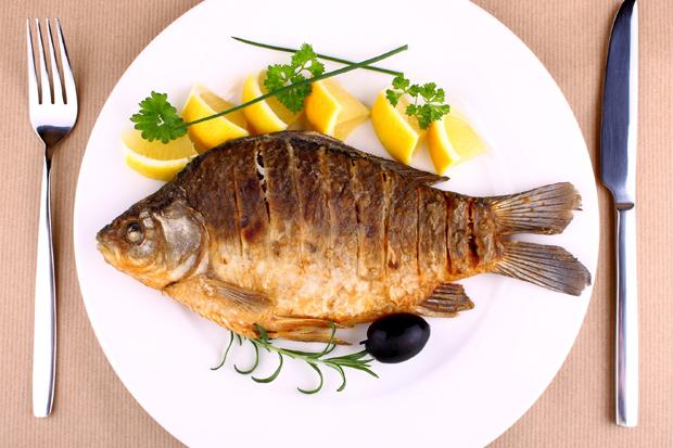 Сьогодні ми розповімо, чому так важливо включати у свій раціон якомога більше рибних страв!