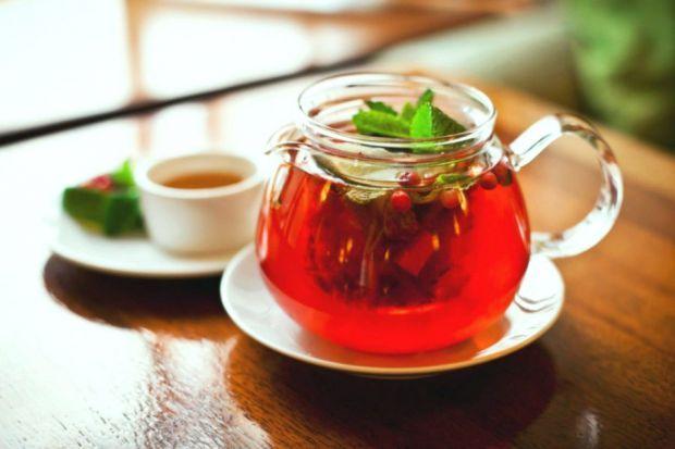 Якщо регулярно пити чай з журавлиною, то налагодиться травна система і нормалізується обмінні процеси в тканинах, відновляться мінеральні та вітамінні