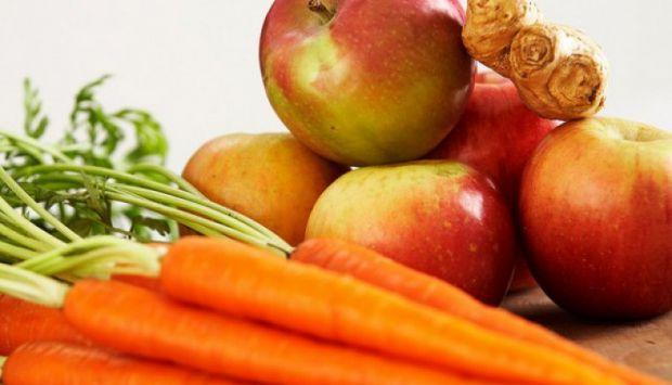 Так, дійсно, морква і яблука - це корисні продукти, в яких багато вітамінів, але чи дійсно вони впливають на зір - читайте далі.