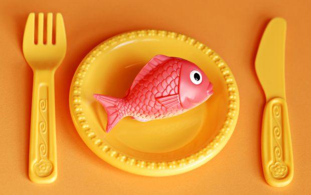 Слід ретельно вибирати посуд, з якого буде їсти ваш малюк.