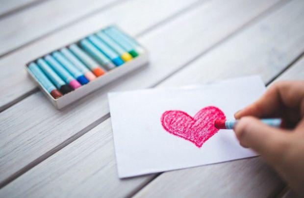 Психологи розповіли, що любов між людьми виникає тільки після 4 побачення.