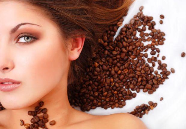 Для краси обличчя потрібна кава.Кава має фотозахисні і антисептичні властивості, перешкоджає старінню шкіри і робить її більш еластичною і пружною.
