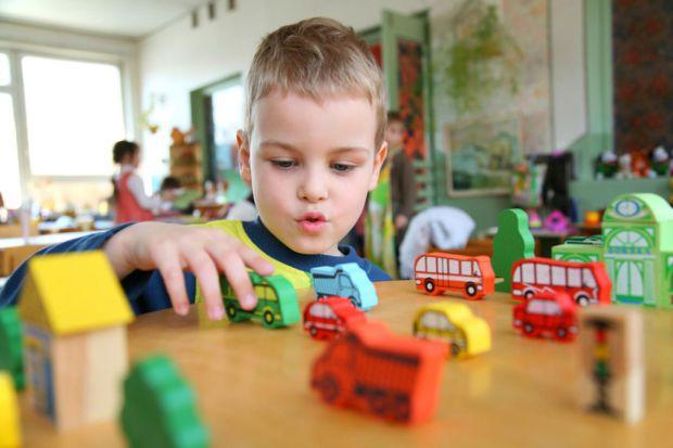 Декілька простих порад, які допоможуть батькам адаптувати дитину до життя в садку.